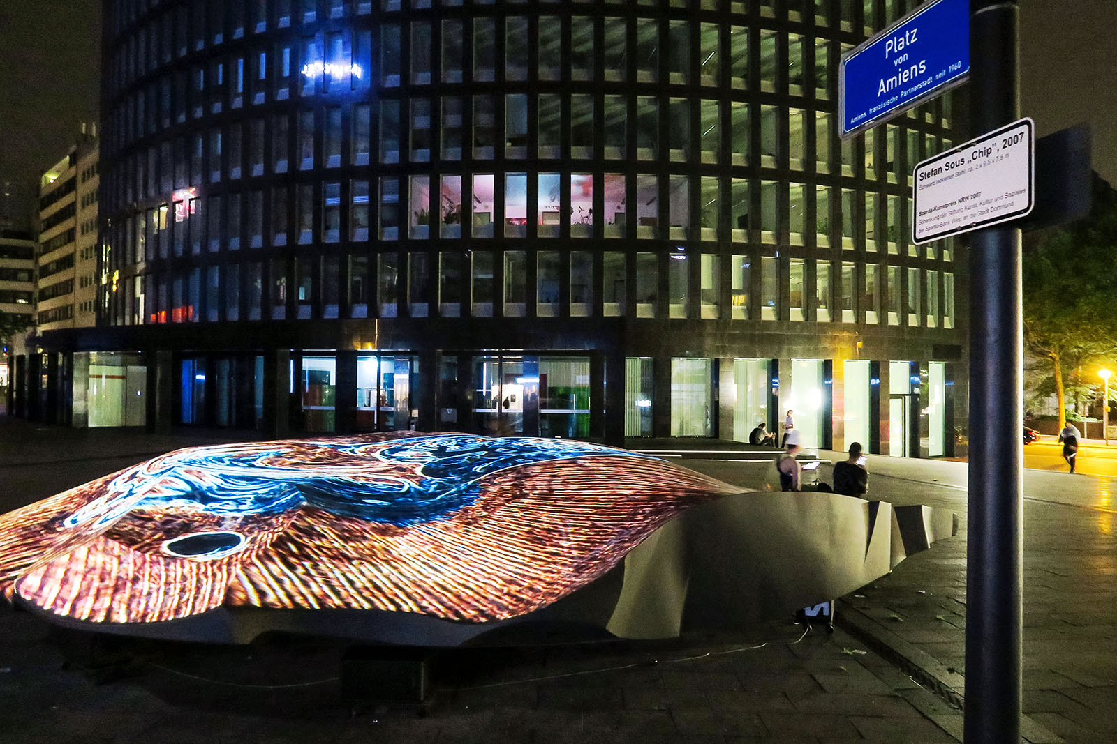 Videomapping AXIS 1.0 on the sculpture CHIP in Dortmund