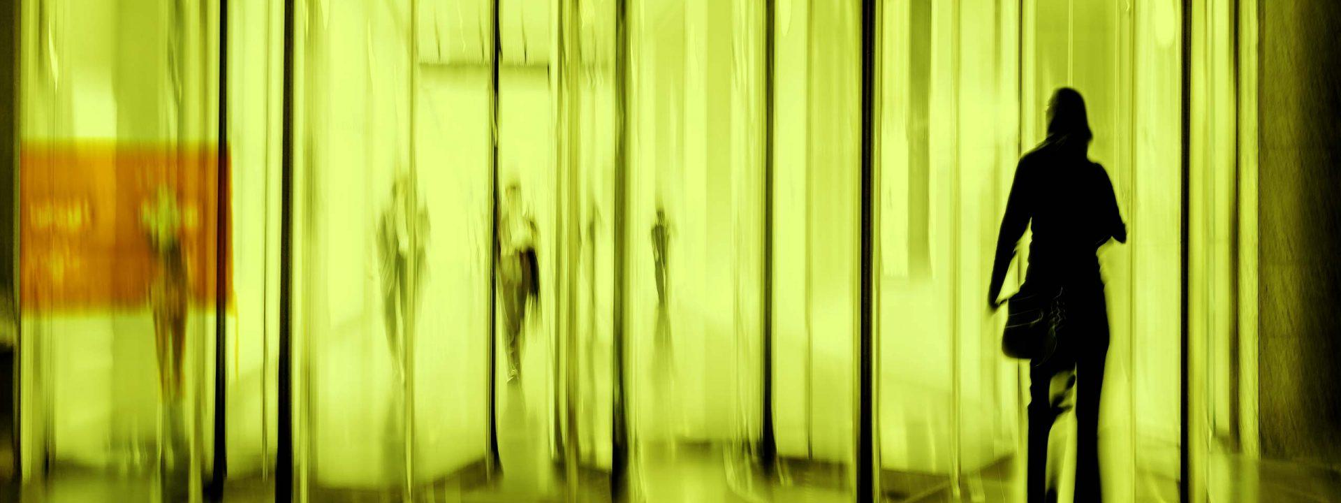 AC-Visual-Schalterraum-nachts_1_gelb